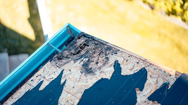 3 Signs That Your Home Needs a Roof Replacement
